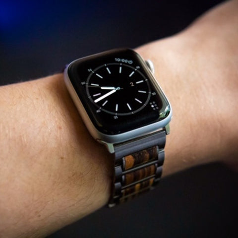 apple watch band on mens wrist