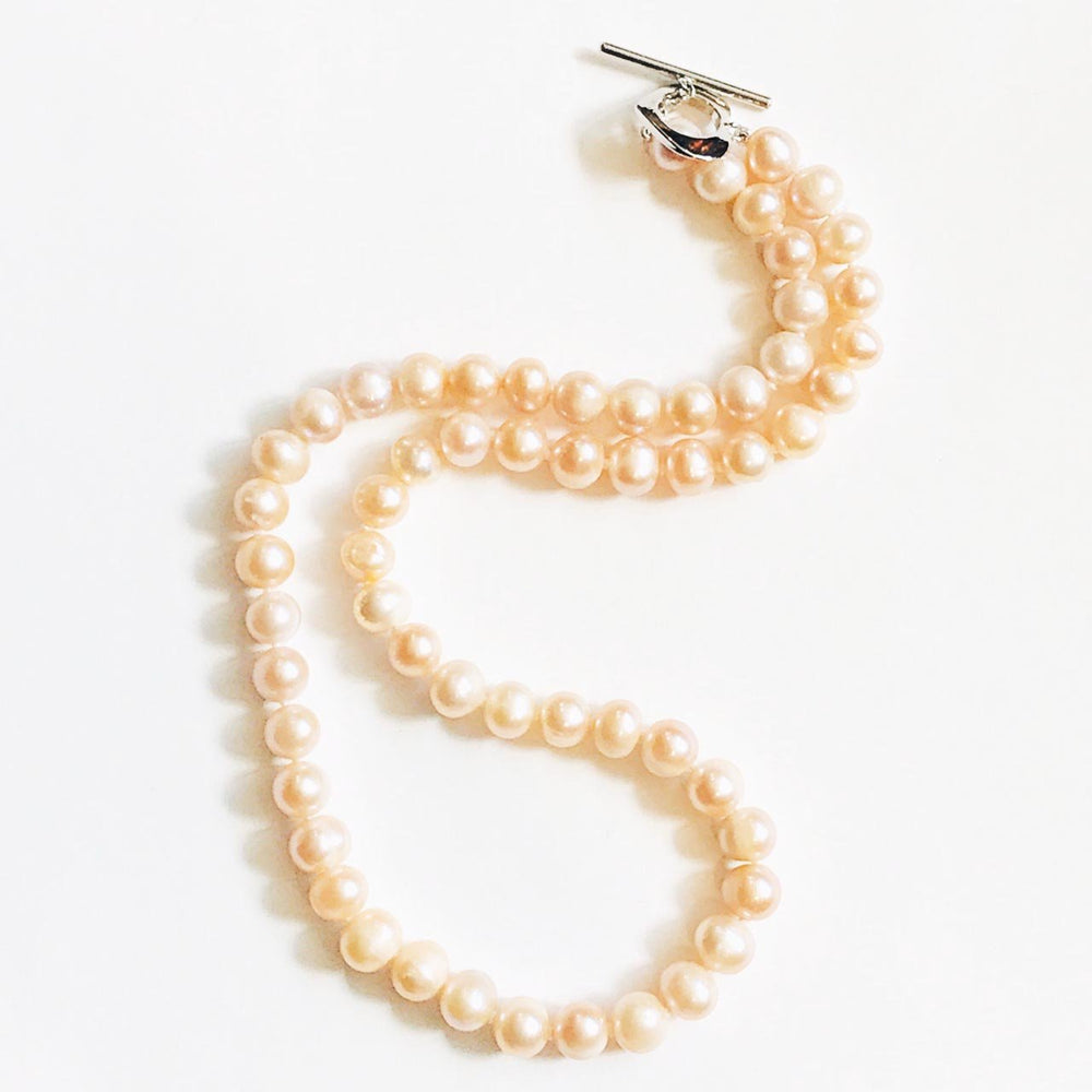 Freshwater Pearl Necklace in Pale Pink