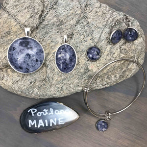 Load image into Gallery viewer, Mussel Shell Maine Jewelry Beachdashery® Jewelry