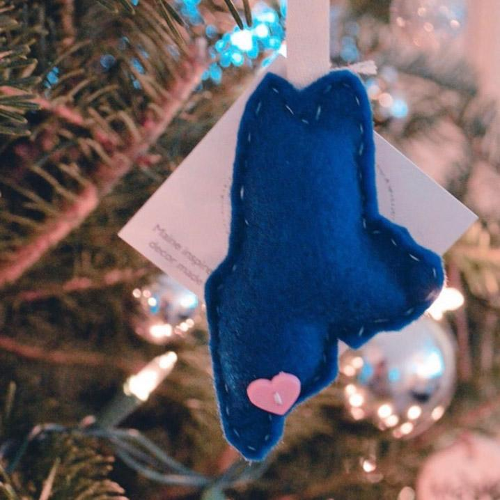 Sweet Maggie Maine Blue Ornament