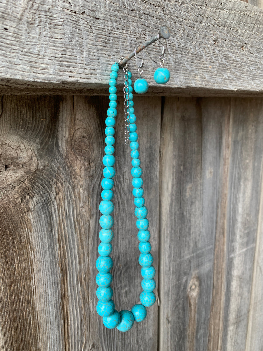 Turquoise Graduated Necklace & Earring Set