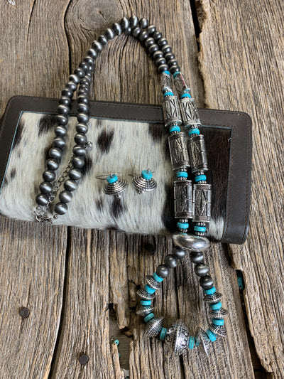 Navajo Pearl Loop Necklace
