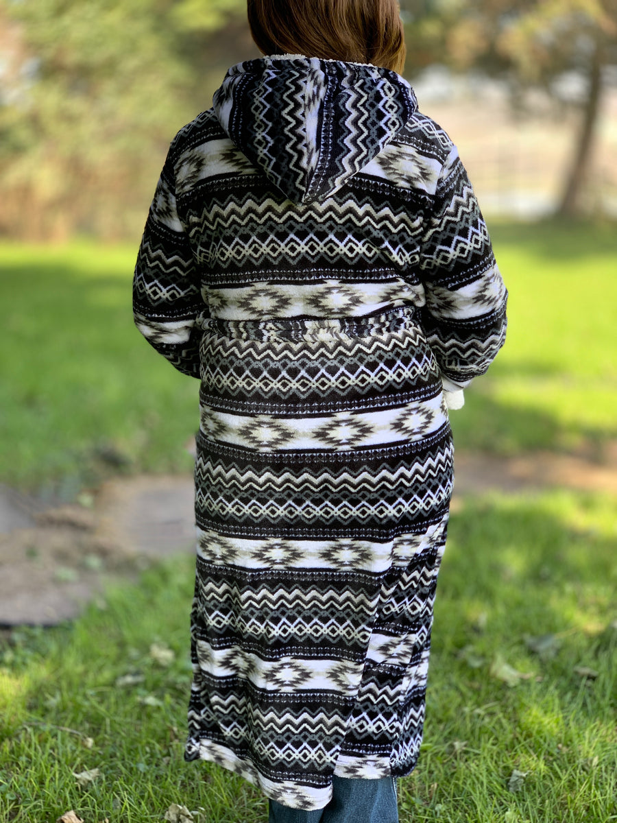 Aztec Robe Black & White