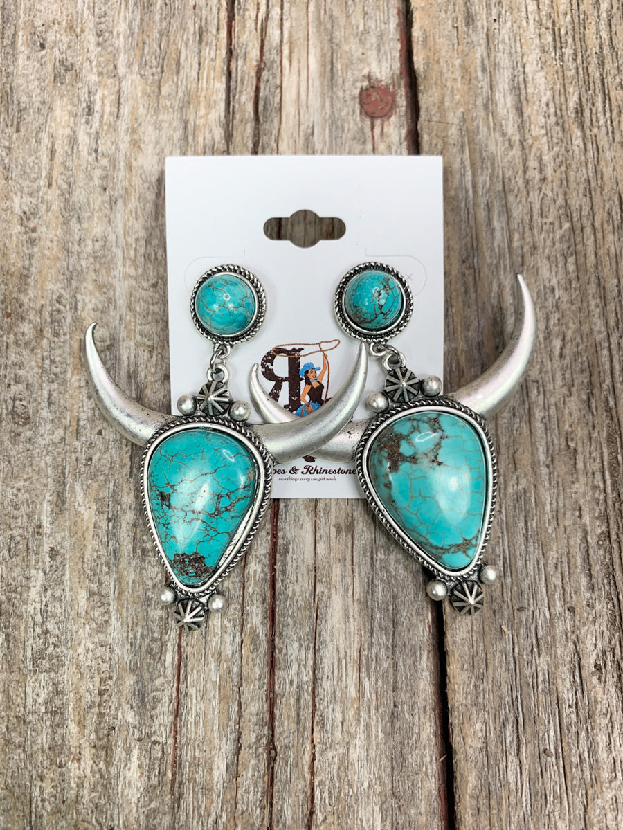 Double Turquoise Cow Skull Necklace