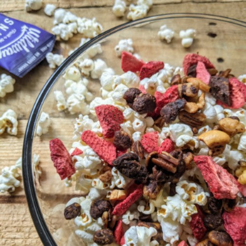 healthy chocolate strawberry popcorn mix