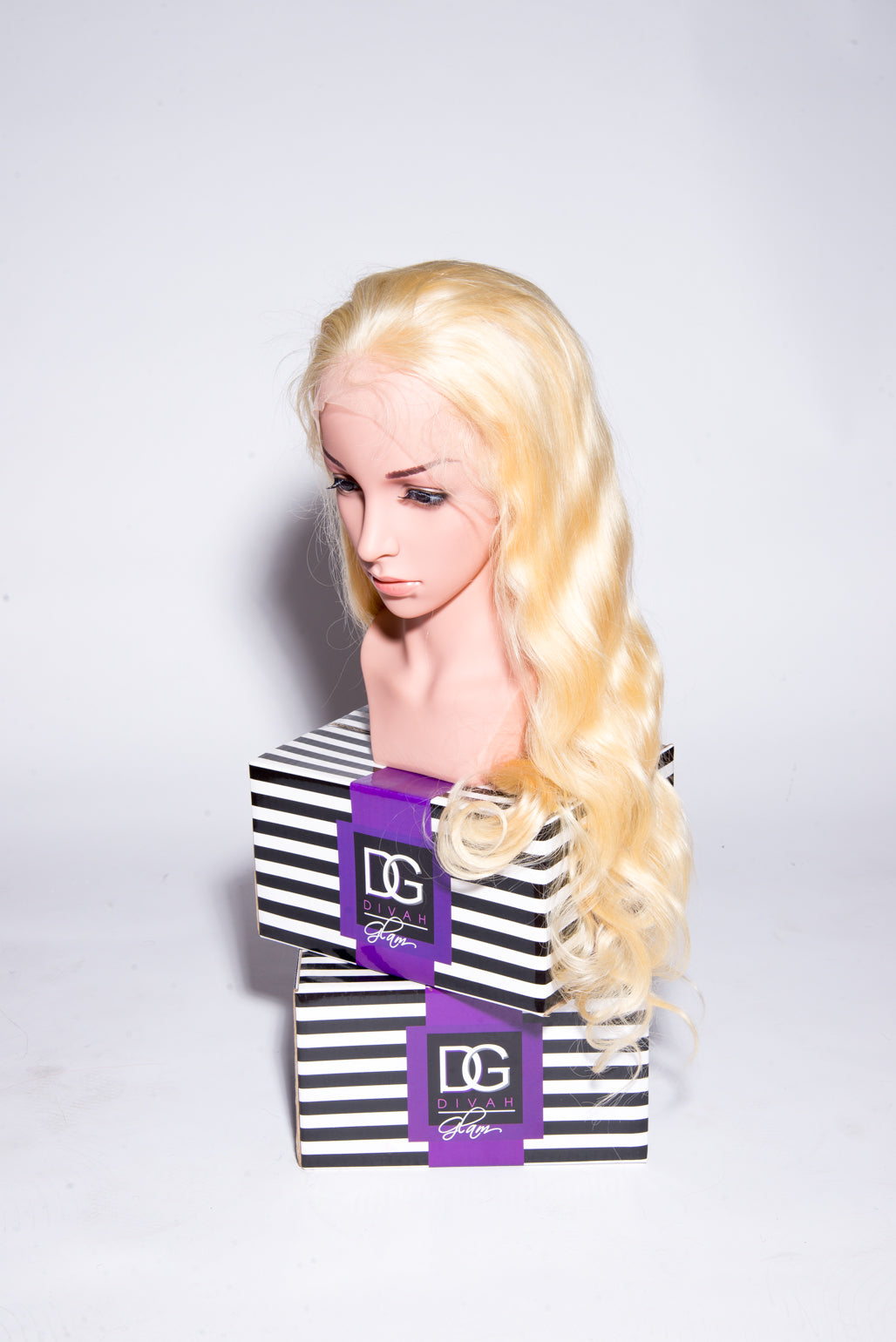 GLUELESS WHITE BLONDE 613 BODY WAVE WIG