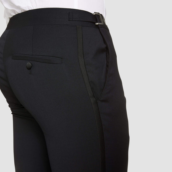a close up  view of the waistband adjusters on the classic icon fit T91 trouser by studio italia
