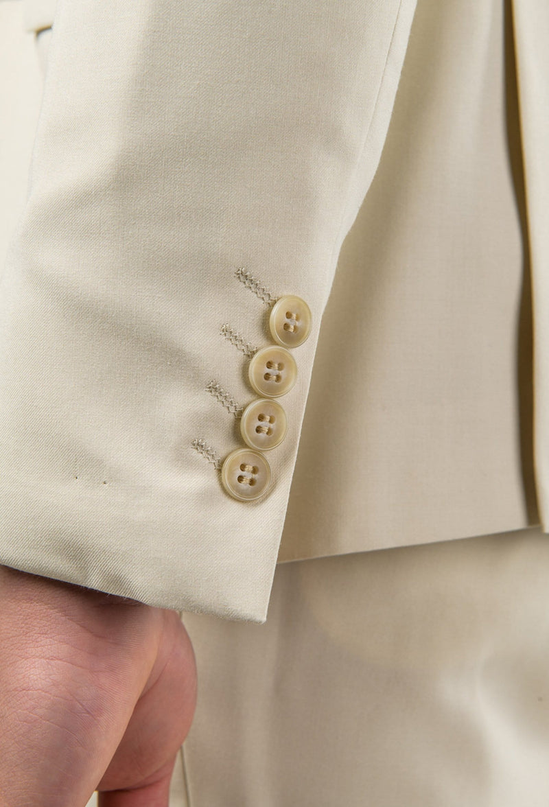 the sleeve button detailing of the Aston slim fit lackhart suit in beige A099301S