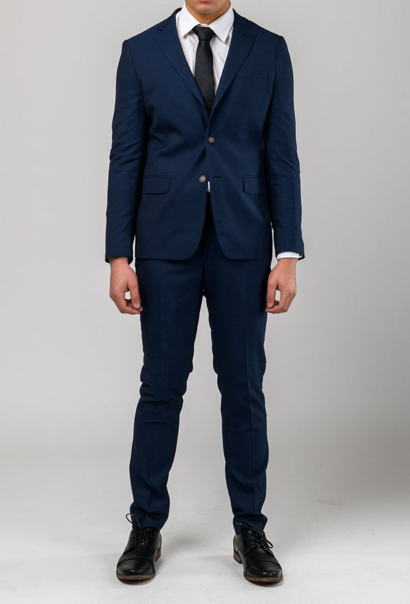 a close up of the Aston slim fit leon suit and trouser in navy A042621S