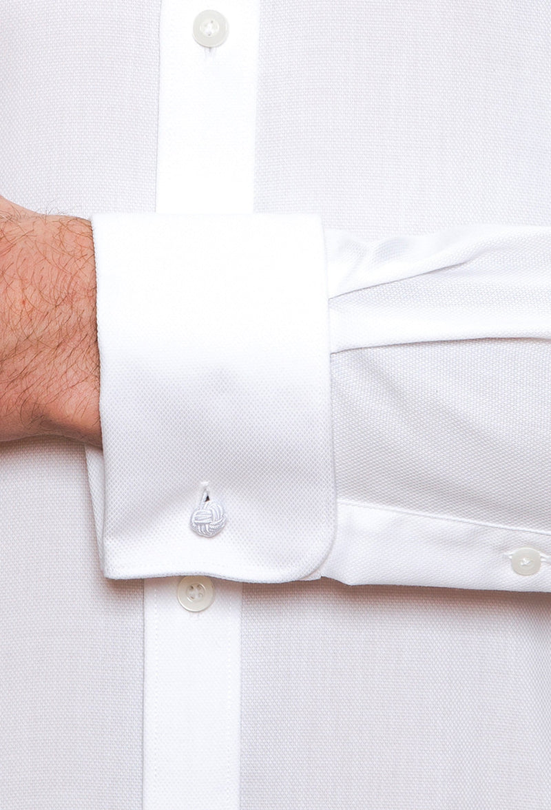A close up view the cuff details on the Cambridge classic fit preston shirt in white pure cotton FCD050