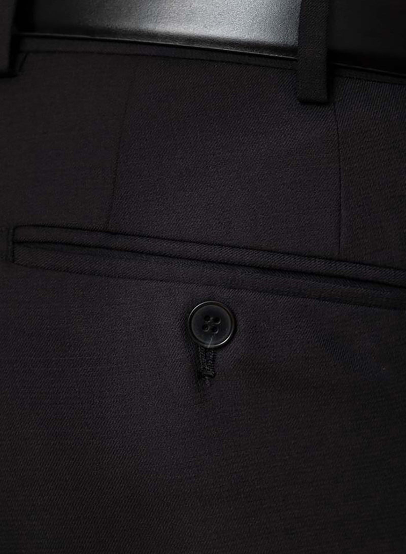 A close up of the pocket detail on the Cambridge classic fit interceptor trouser in black pure wool F225
