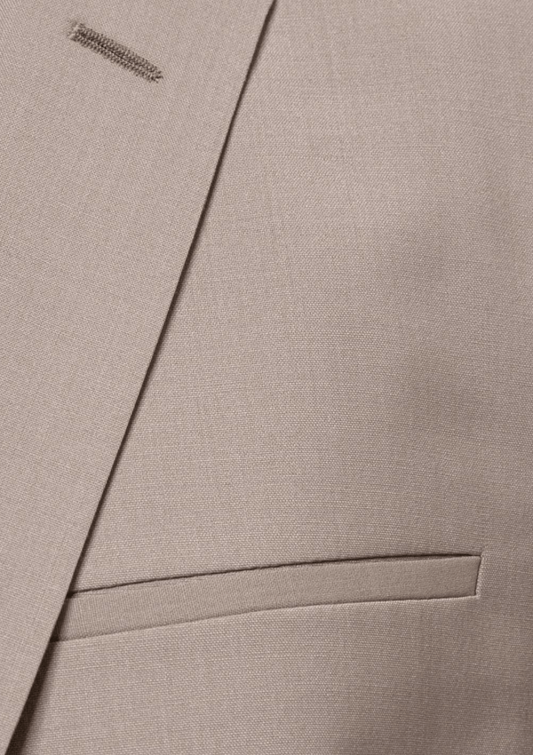 a close up of the lapel detail and front pocket seams aswell as showing the textured wool fabric on the hugo mens suit