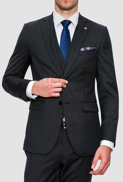 A front on view of the Joe Black slim fit anchor suit in charcoal pure wool FCZ027 including the single breasted lapel detail