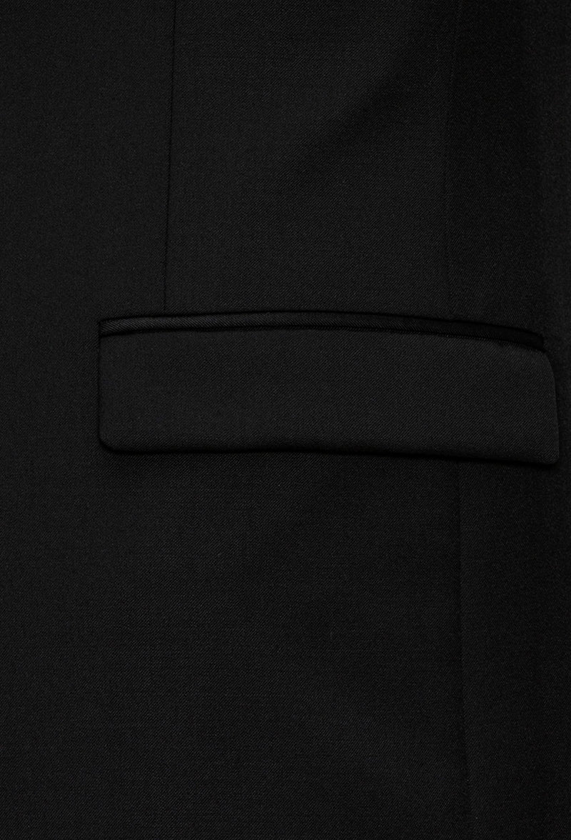 A close up view of the flat pocket details of the Joe Black slim fit anchor suit jacket in black pure wool FJV032