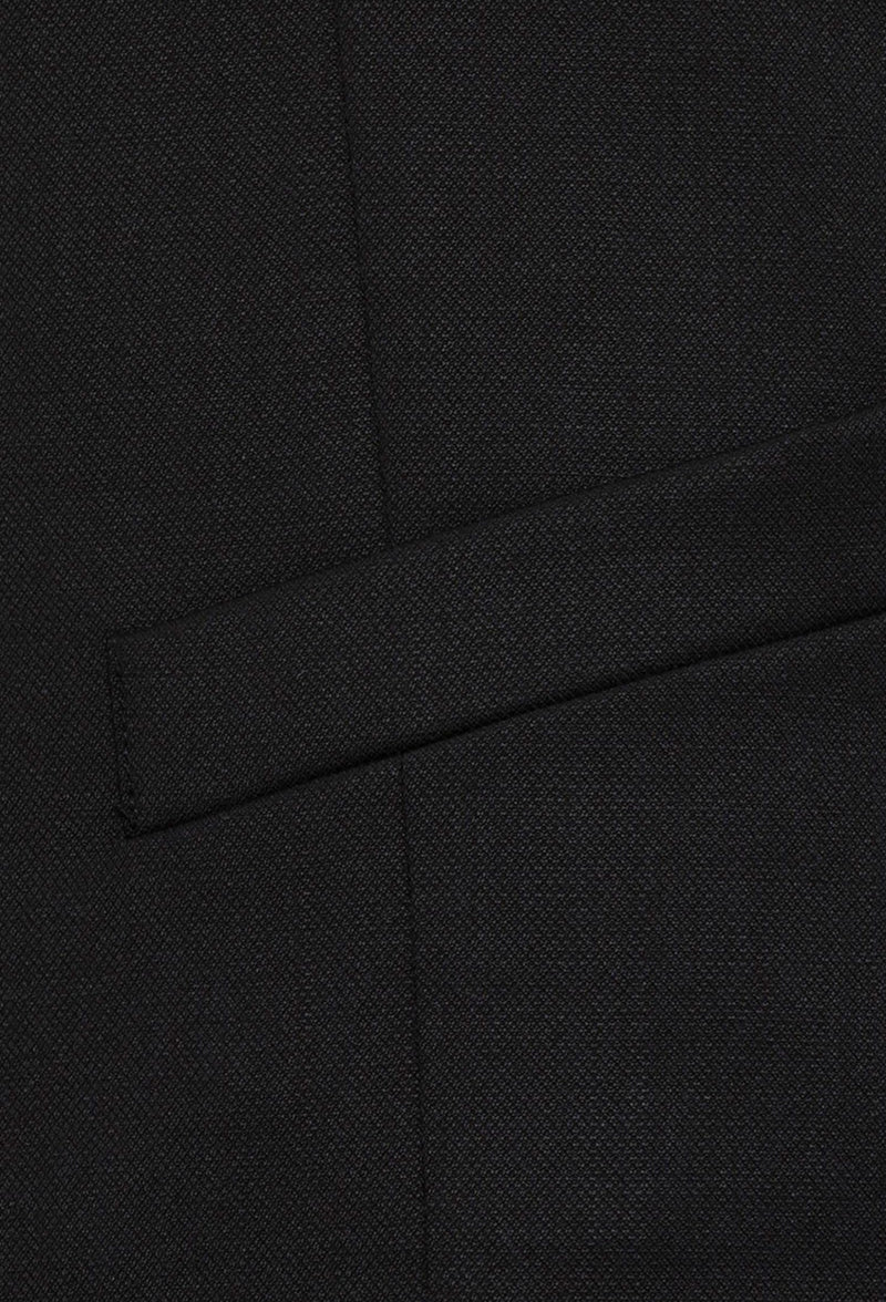 a close up of the flat pocket detail on the Joe Black slim fit mail vest in black pure wool F6447