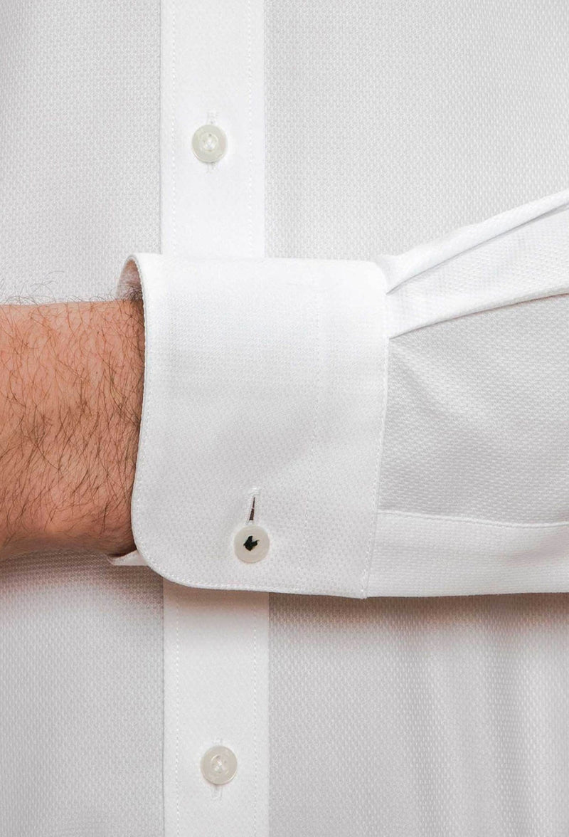 A close up view of the cuff and button detailing on the Joe Black slim fit pioneer shirt in white pure cotton FJD044