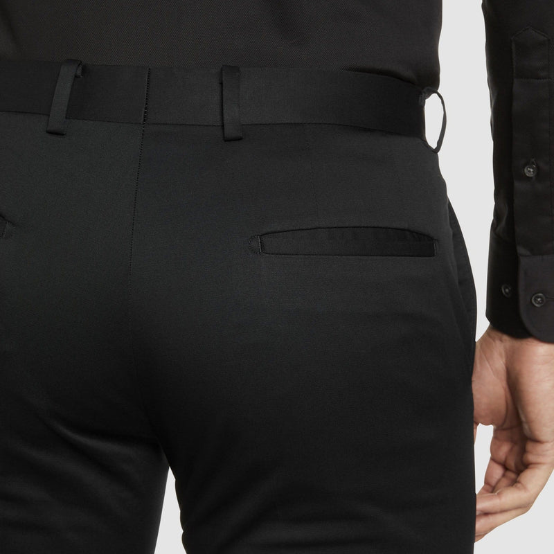 a close up of the pocket detail on the Studio Italia slim fit chino in black cotton stretch ST-459-31