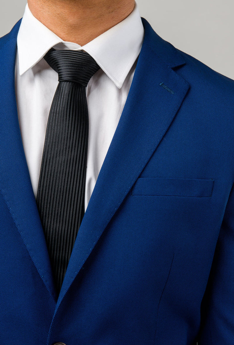a close up view of the lapel detail of the Aston slim fit leon suit in blue A042718S