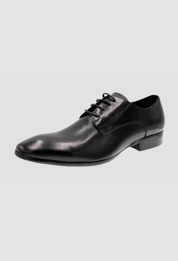 a close up side view of the black martino carolus buffalo leather lace up shoe in black FM192B