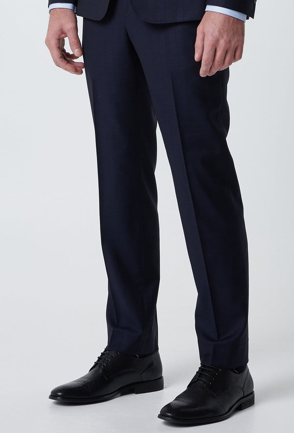 A close up view of the wolf kanat slim fit Leningrad suit trouser in navy superfine wool 1K1700