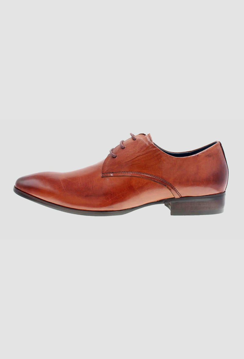a side on view of the martino carolus leather lace up shoe in dark tan FM194M