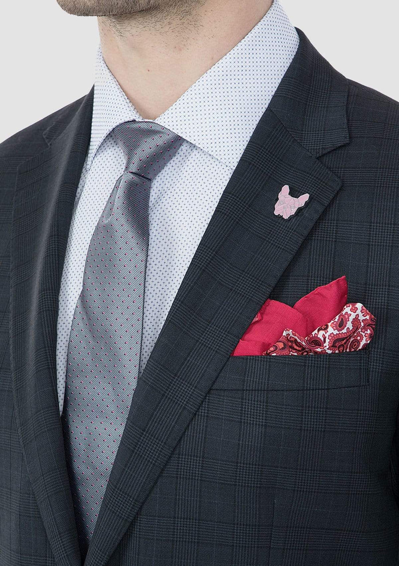 a close up view of the lapel detailing on the gibson slim fit nitro mens suit in navy check pure wool FG1610