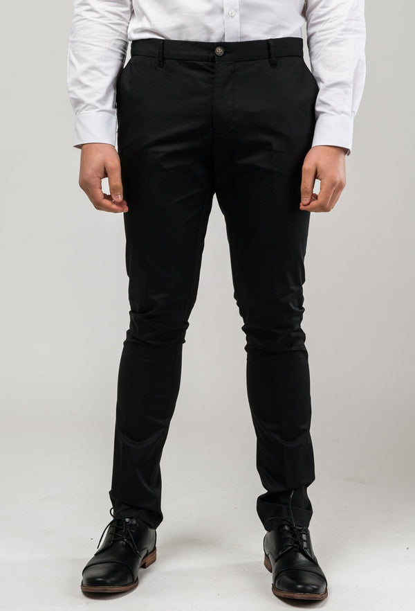 picture of the aston slim fit cooper chino trousr in black stretch cotton A915801 from the front
