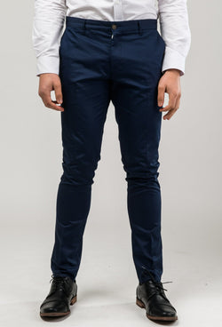 a font view of a model wearing the aston slim fit cooper chino trouser in navy stretch cotton A177449