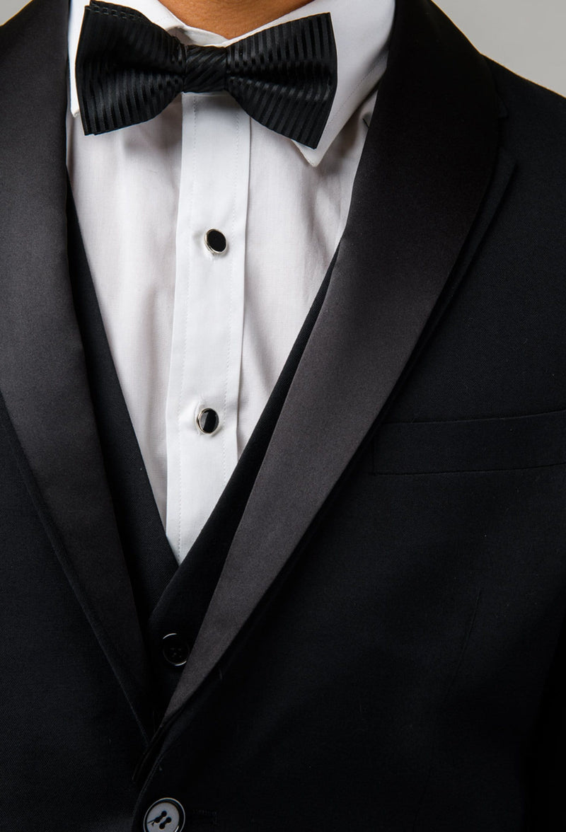 a close up view of the removable satin shawl collar on the Aston slim fit laneport suit jacket in black A019301S