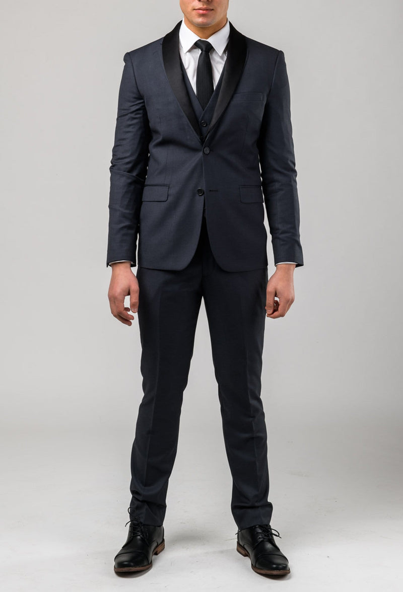 A full length view of the Aston slim fit laneport suit in charcoal A029301S