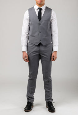A front on view of the Aston slim fit laneport vest in grey A039301V