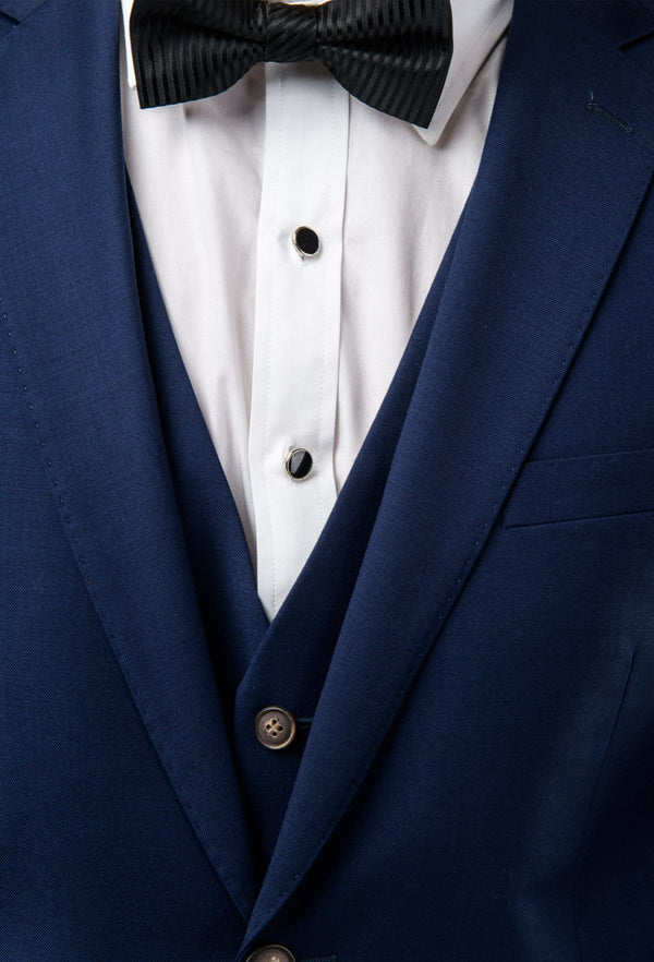 a close up view of the lapel and vest details on the Aston slim fit moores vest in royal blue A059301V-NL