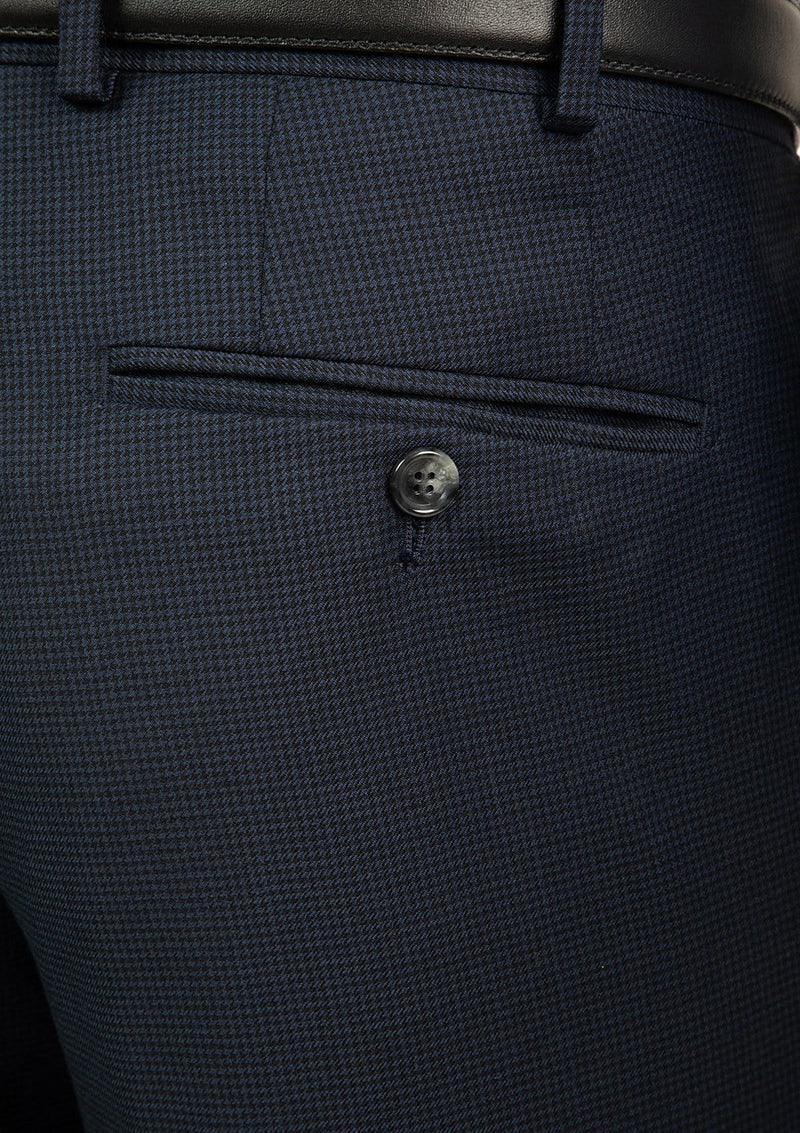 a close up of the houndstooth navy pure wool fabric on the morse suit FCJ336 by cambridge