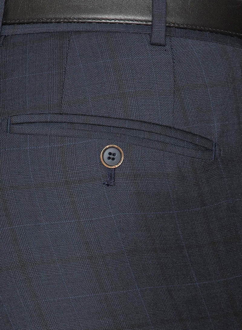A close up view of the rear hip pocket on the Cambridge classic fit interceptor trouser in navy pure wool FCE481