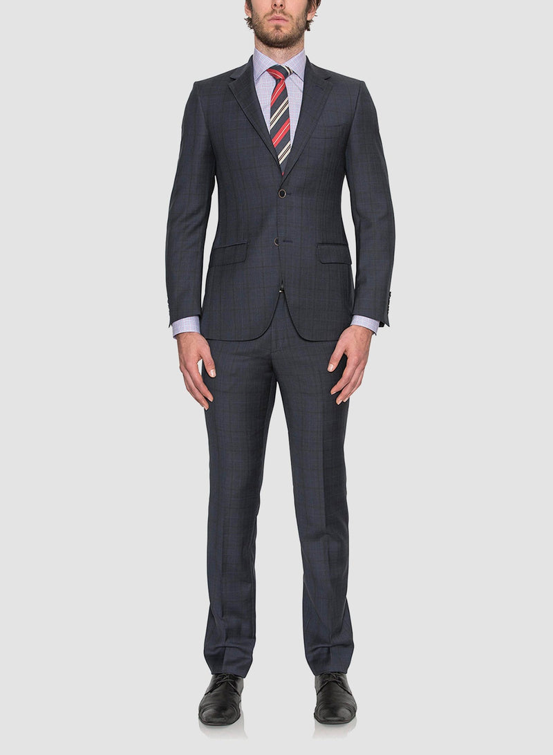 Front view of a model wearing Cambridge classic fit morse suit in navy pure wool navy FCE481