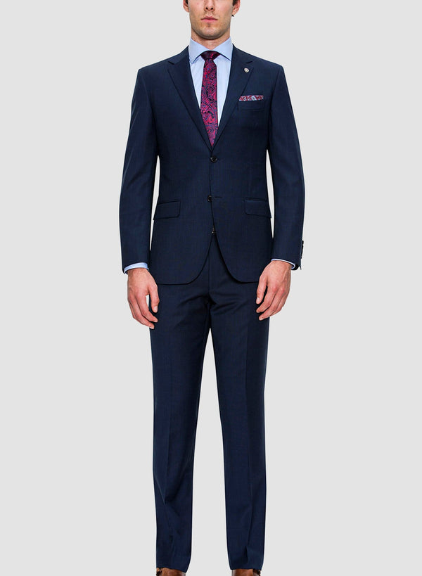 A full length view of the Cambridge classic fit morse suit in navy pure wool FCF302