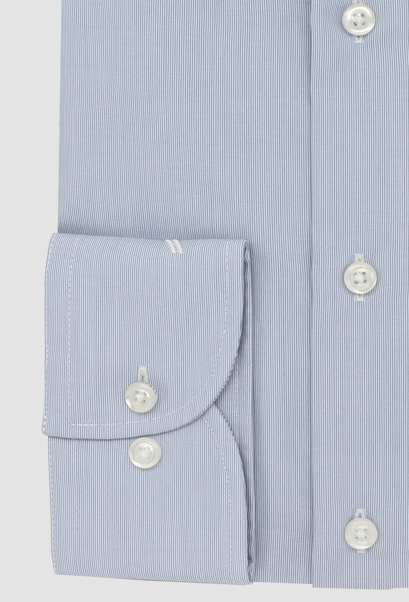 a close up view of the normal cuff detail on the daniel hechter slim fit shape business shirt in blue pure cotton