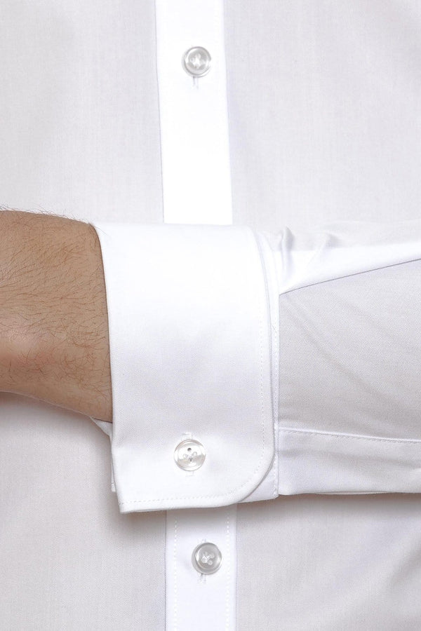 A close up view of the Gibson slim fit archie french cuff shirt in white FGW014 including the rounded French cuff detail