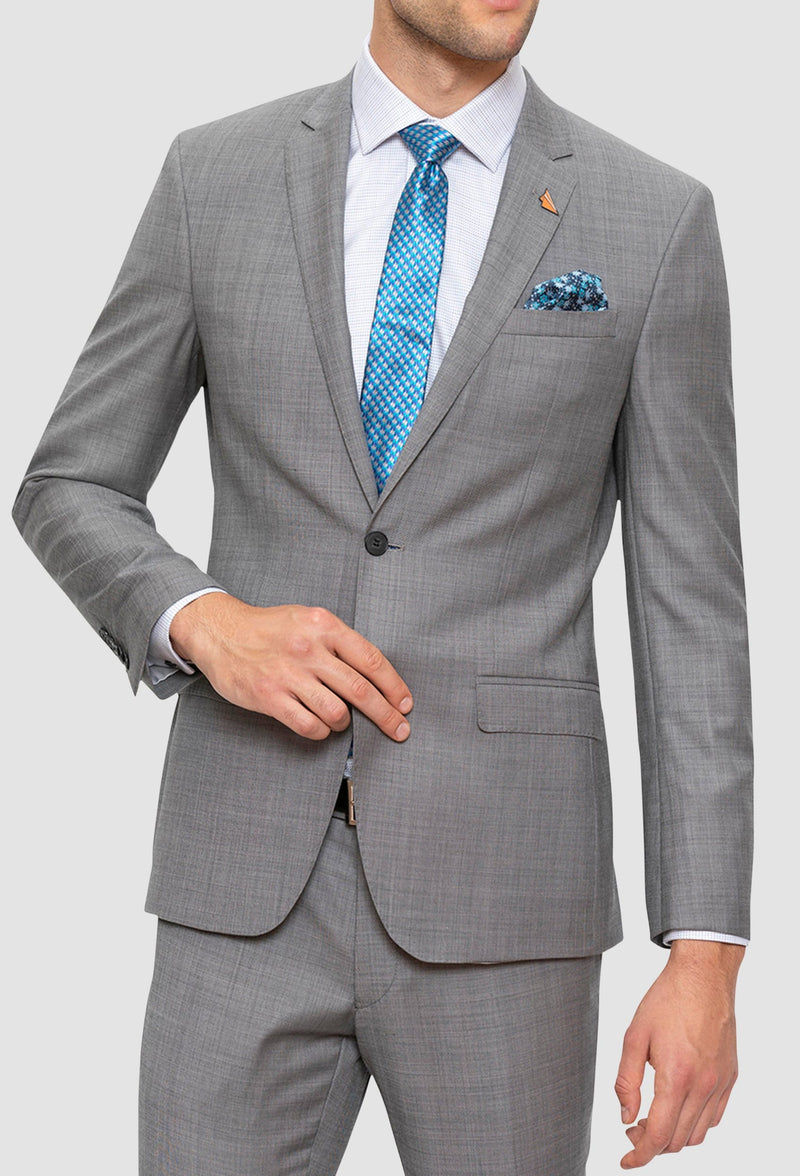 A close up view of the Gibson slim fit lithium suit in grey pure wool FGE645
