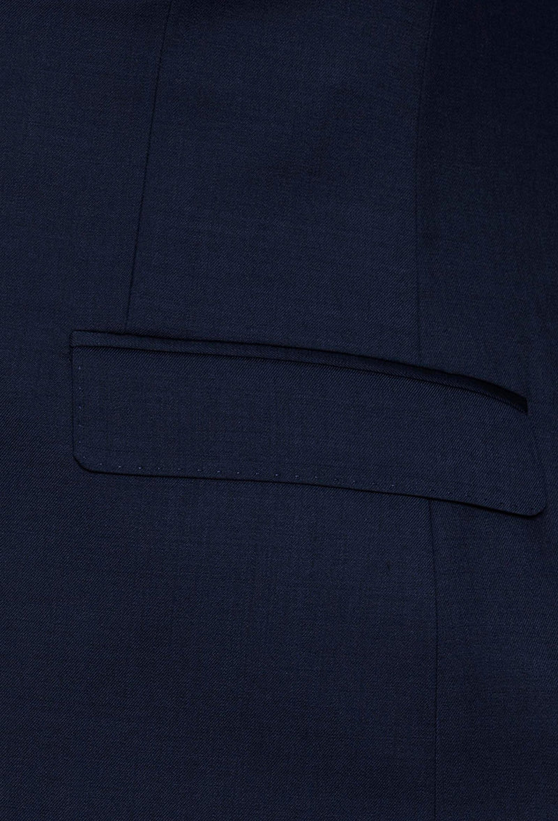 A close up view of the pocket flaps on the Gibson slim fit delirium suit jacket in navy pure wool F3614