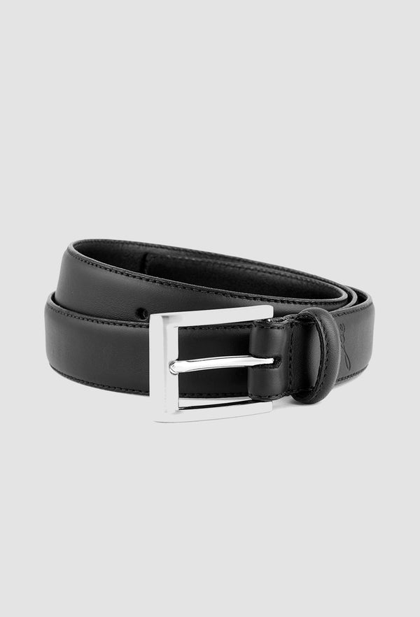 A close up view of the Joe Black ranger belt in black leather PJAZ000057