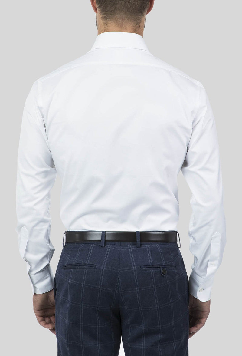 A reverse view of the joe Black slim fit pioneer shirt in white pure cotton FCE300