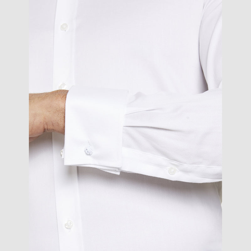 close up of the double cuff detail on the studio italia slim fit spencer shirt in white cotton with double cuff