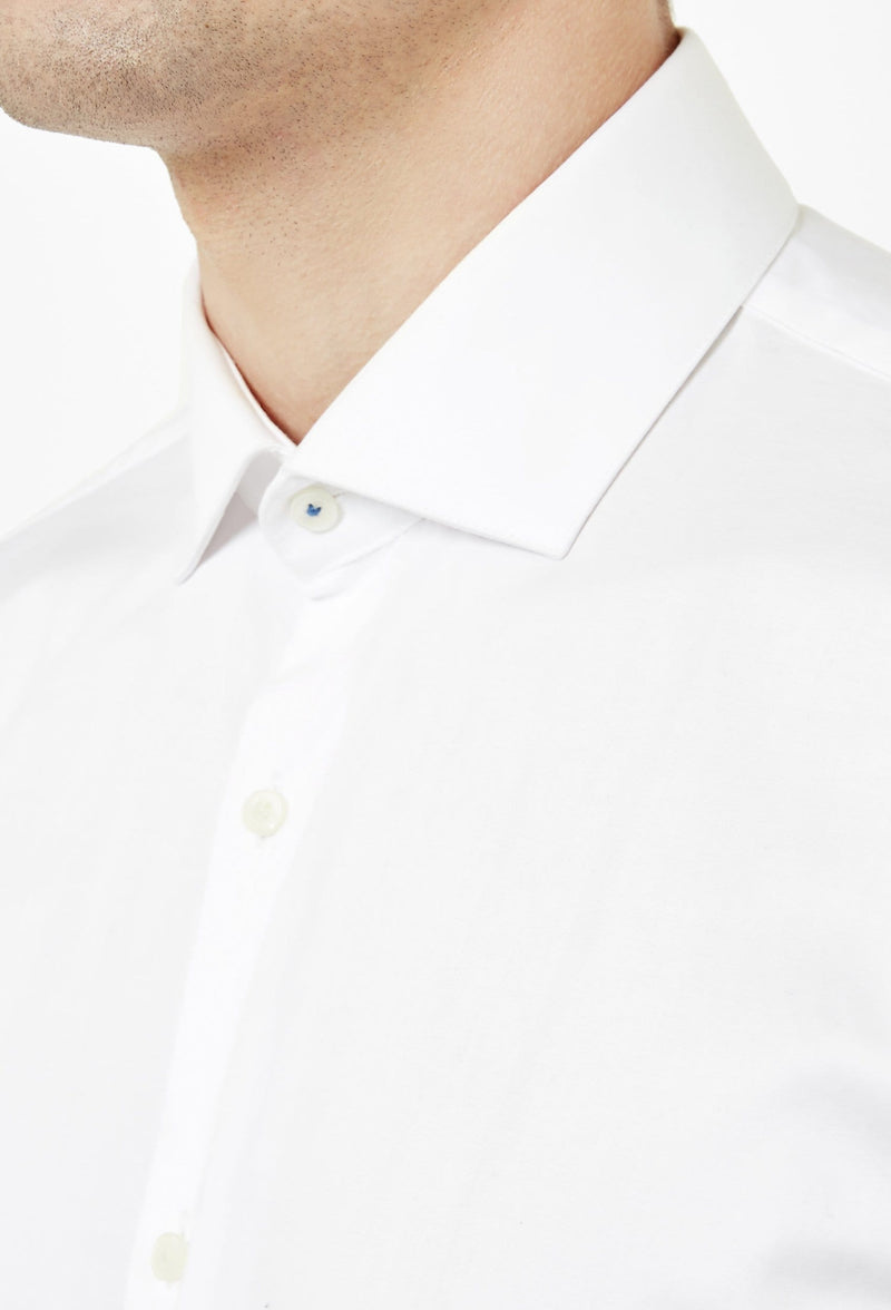 a close up view o the Ted Baker slim fit rosest shirt in white cotton 2RA6899