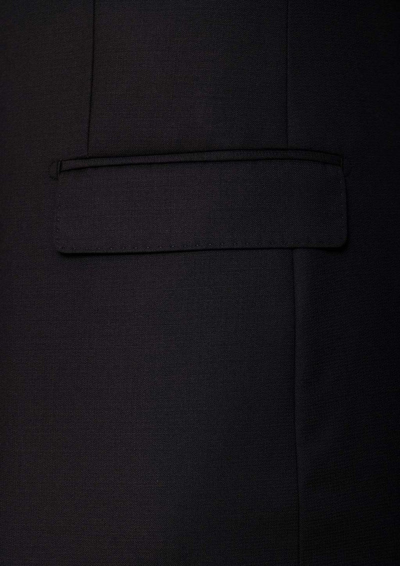 a close up of the pocket detail on the cambridge morse jajcket in black pure wool FMG100