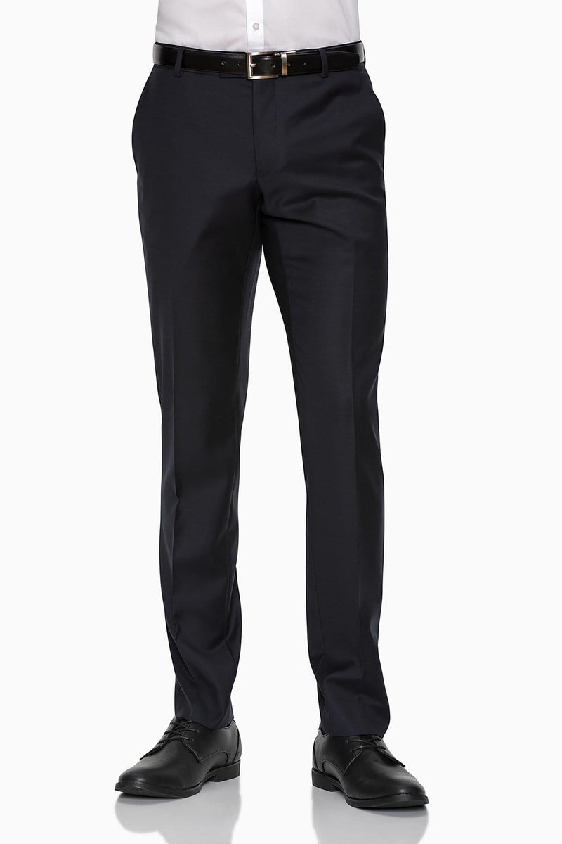 the front of the gibson slim fit caper trouser in navy blue with a white shirt tucked in