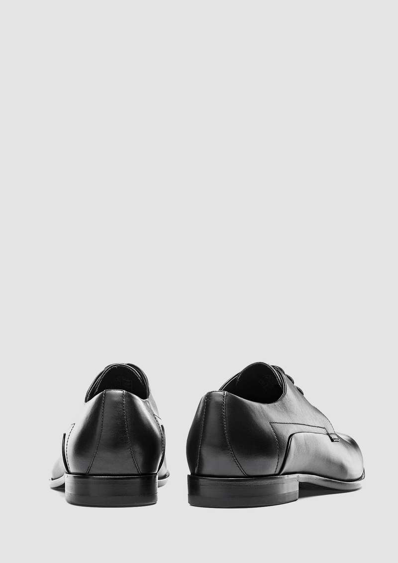the back view of the hugo boss derby smooth leather shoes in black