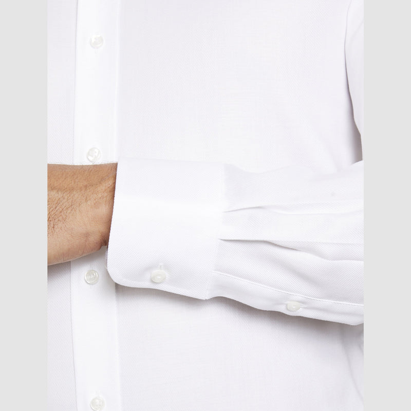 classic cuff detail on the studio italia slim fit spencer business shirt in 100% white cotton  ST-21-WHITE