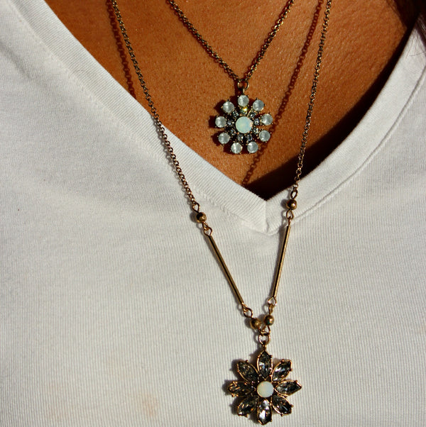 Flower Pendant Layer Necklace - Dear Reverie