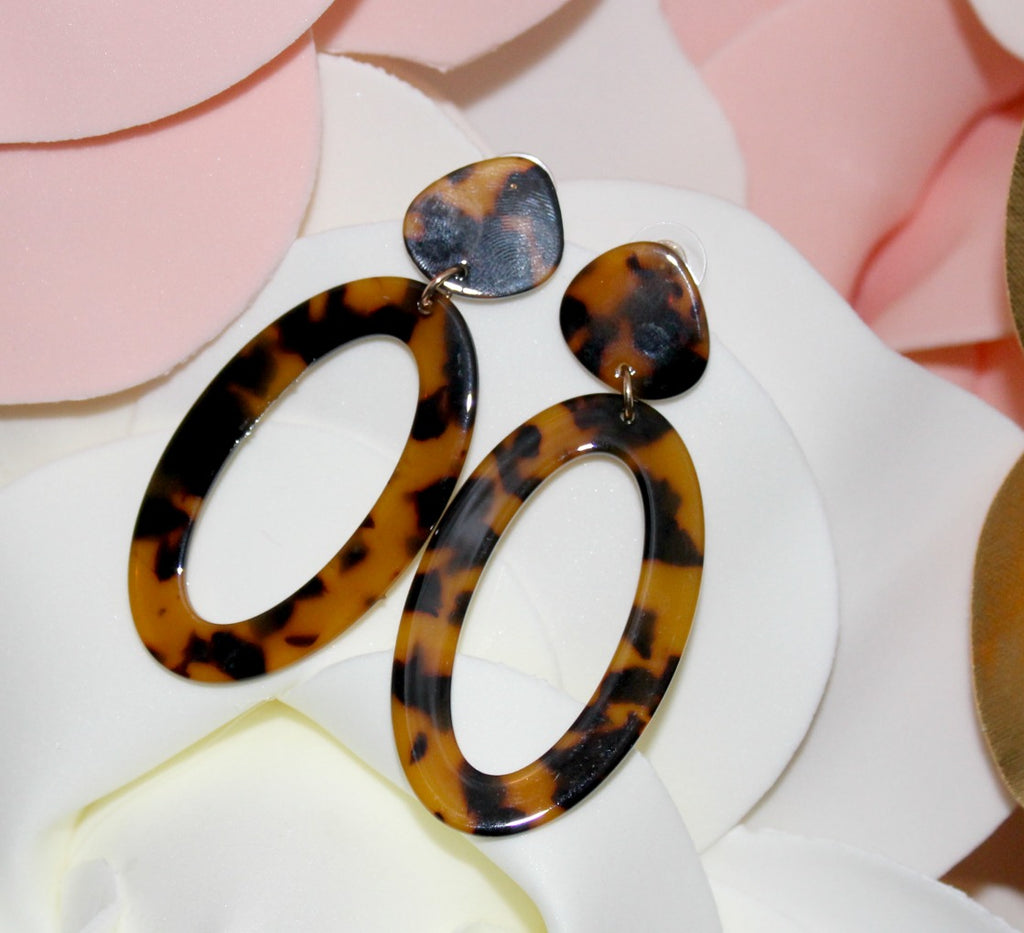 Tortoise Shell Oval Earrings - Dear Reverie